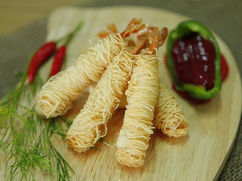 WHEAT FILO SHRIMP ROLL